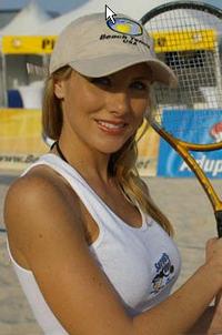 Beach_tennis_woman_picture_3