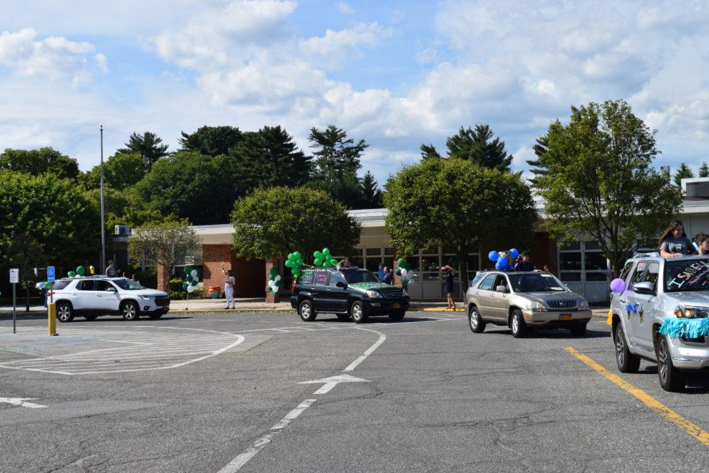 Osborn School Graduation Car Parade June 2020 Parade Heading Round Circle