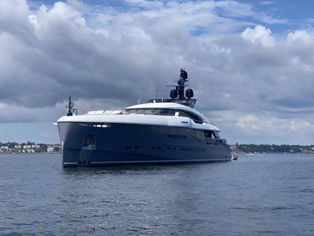 mega yacht Utopia IV off Rye, NY 2021-09-18 - 2 IMG_2162